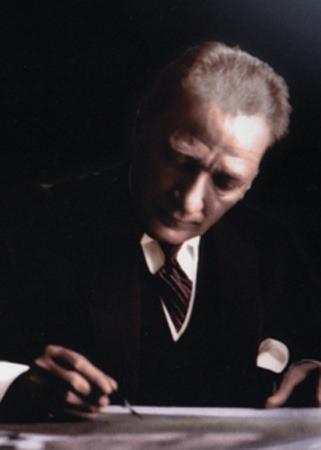 Görmediğiniz kareleriyle 'Atatürk' 210