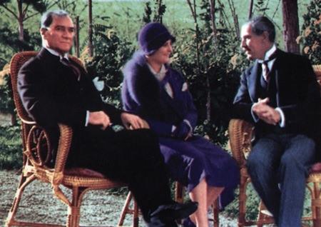Görmediğiniz kareleriyle 'Atatürk' 212