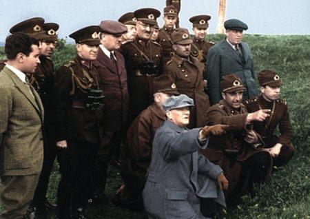 Görmediğiniz kareleriyle 'Atatürk' 216