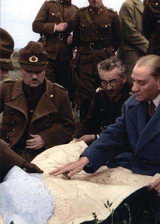 Görmediğiniz kareleriyle 'Atatürk' 217