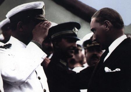 Görmediğiniz kareleriyle 'Atatürk' 218