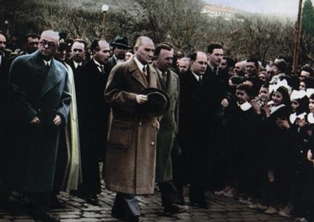 Görmediğiniz kareleriyle 'Atatürk' 219