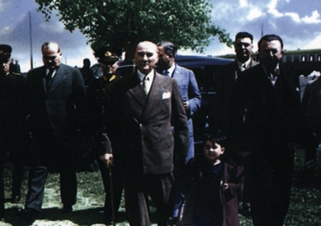 Görmediğiniz kareleriyle 'Atatürk' 220
