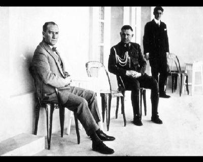 Görmediğiniz kareleriyle 'Atatürk' 24