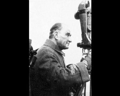 Görmediğiniz kareleriyle 'Atatürk' 29