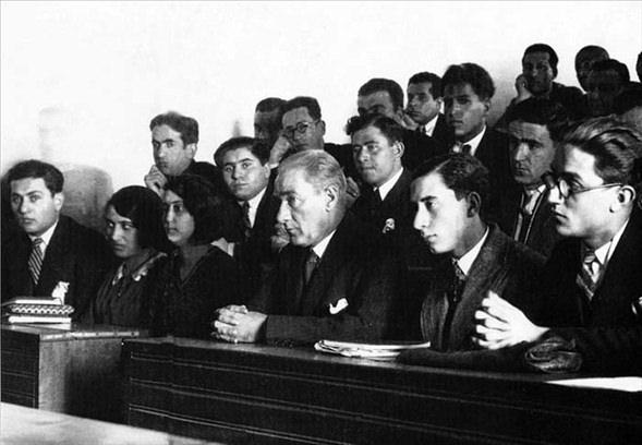 Görmediğiniz kareleriyle 'Atatürk' 3
