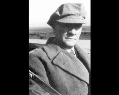 Görmediğiniz kareleriyle 'Atatürk' 32