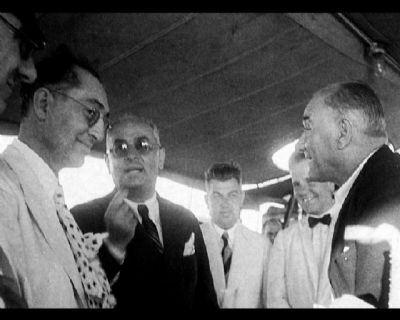 Görmediğiniz kareleriyle 'Atatürk' 33
