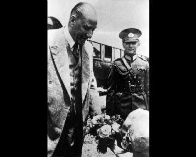 Görmediğiniz kareleriyle 'Atatürk' 34