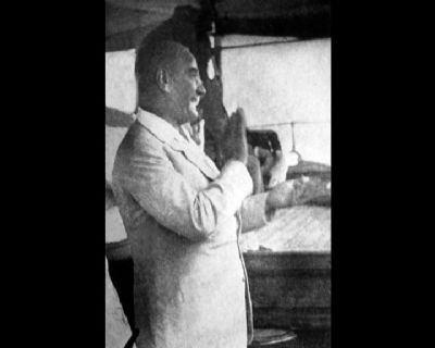 Görmediğiniz kareleriyle 'Atatürk' 35