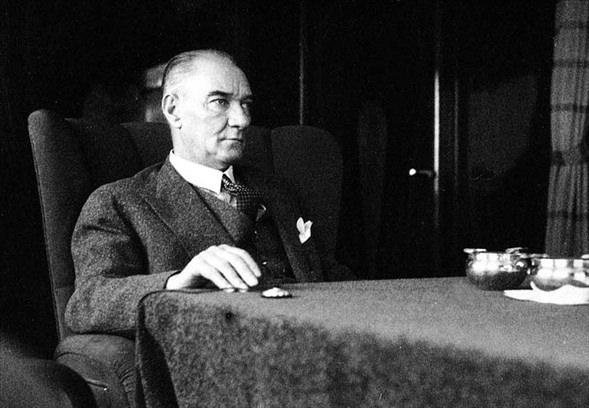 Görmediğiniz kareleriyle 'Atatürk' 4