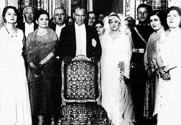 Görmediğiniz kareleriyle 'Atatürk' 40