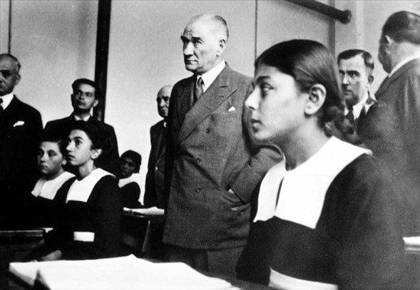 Görmediğiniz kareleriyle 'Atatürk' 41