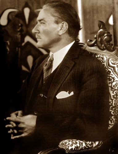 Görmediğiniz kareleriyle 'Atatürk' 42