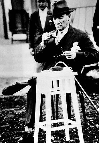 Görmediğiniz kareleriyle 'Atatürk' 44