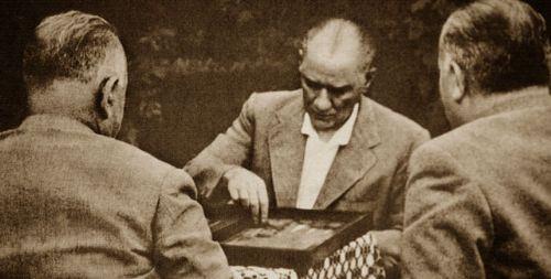 Görmediğiniz kareleriyle 'Atatürk' 45