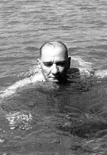 Görmediğiniz kareleriyle 'Atatürk' 49