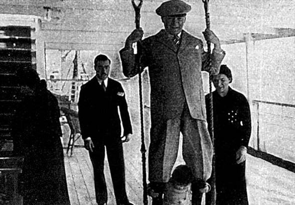 Görmediğiniz kareleriyle 'Atatürk' 50