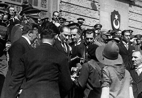 Görmediğiniz kareleriyle 'Atatürk' 6