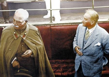 Görmediğiniz kareleriyle 'Atatürk' 63