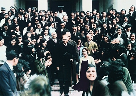 Görmediğiniz kareleriyle 'Atatürk' 66