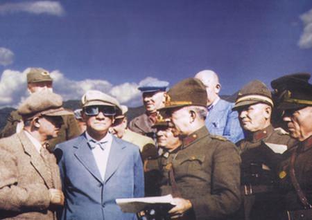 Görmediğiniz kareleriyle 'Atatürk' 72