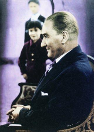 Görmediğiniz kareleriyle 'Atatürk' 79