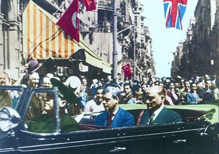Görmediğiniz kareleriyle 'Atatürk' 89