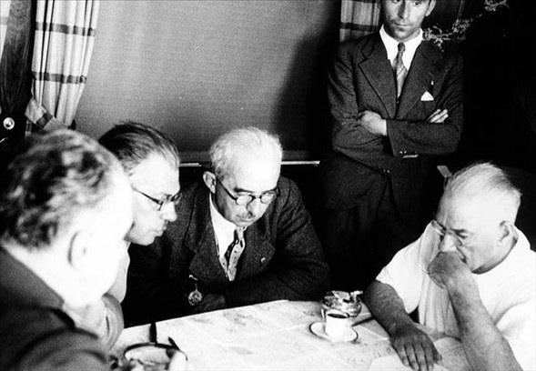Görmediğiniz kareleriyle 'Atatürk' 9