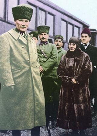 Görmediğiniz kareleriyle 'Atatürk' 93