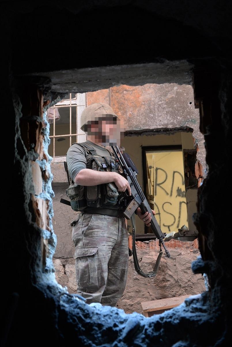 PKK'nın Şırnak'taki 3 'karargah'ı bulundu 12