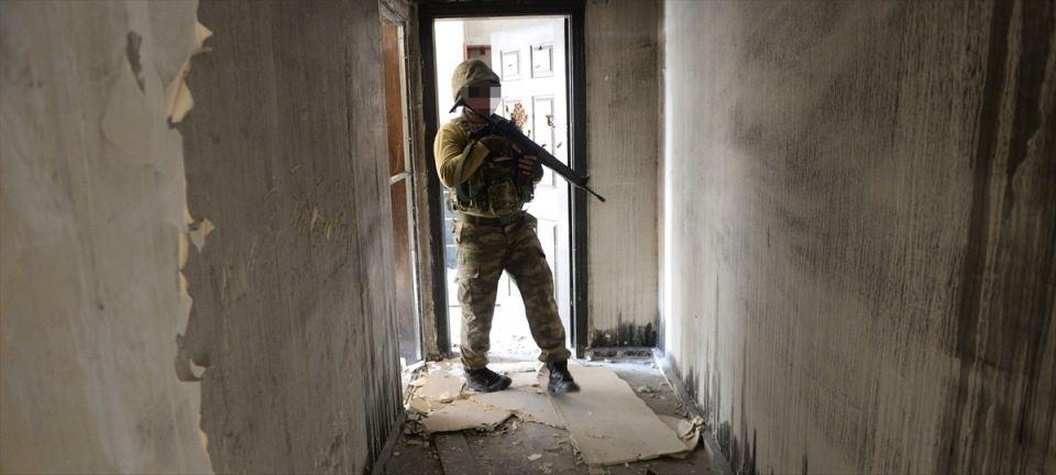 PKK'nın Şırnak'taki 3 'karargah'ı bulundu 23