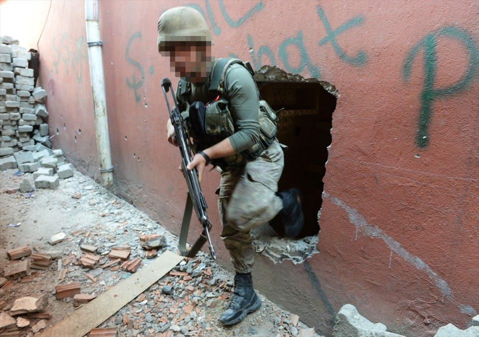 PKK'nın Şırnak'taki 3 'karargah'ı bulundu 9