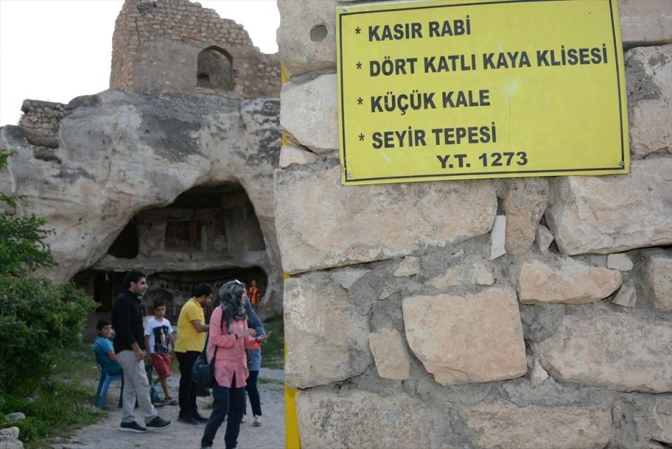 Hasankeyf, tarihi ve kültür varlıkları ile taşınacak 12