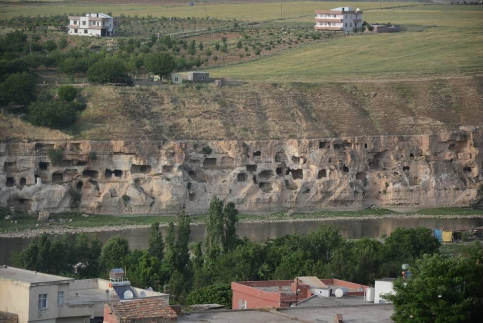 Hasankeyf, tarihi ve kültür varlıkları ile taşınacak 14