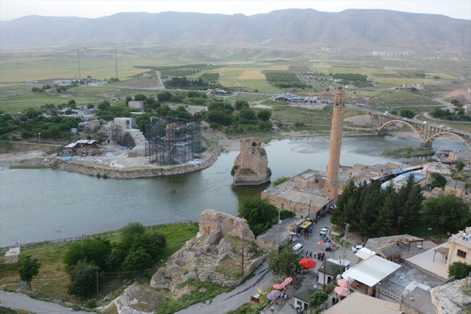 Hasankeyf, tarihi ve kültür varlıkları ile taşınacak 19