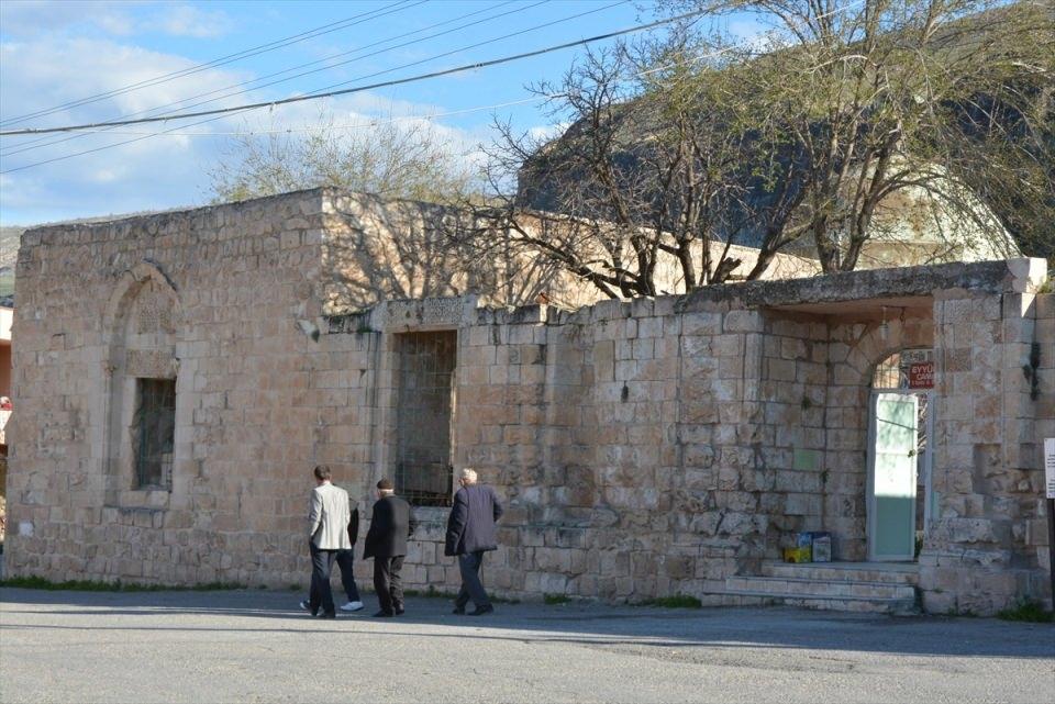 Hasankeyf, tarihi ve kültür varlıkları ile taşınacak 26