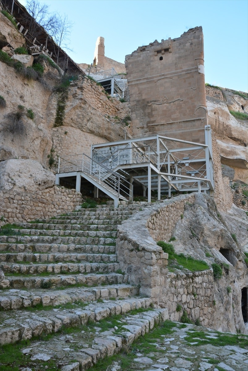 Hasankeyf, tarihi ve kültür varlıkları ile taşınacak 28