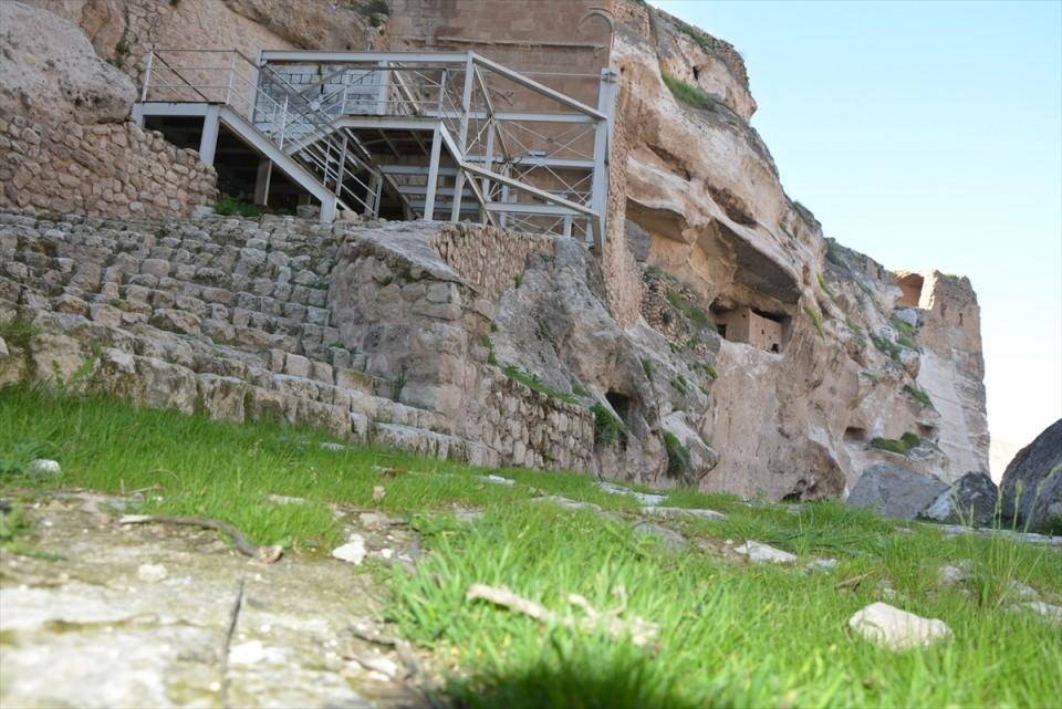 Hasankeyf, tarihi ve kültür varlıkları ile taşınacak 29
