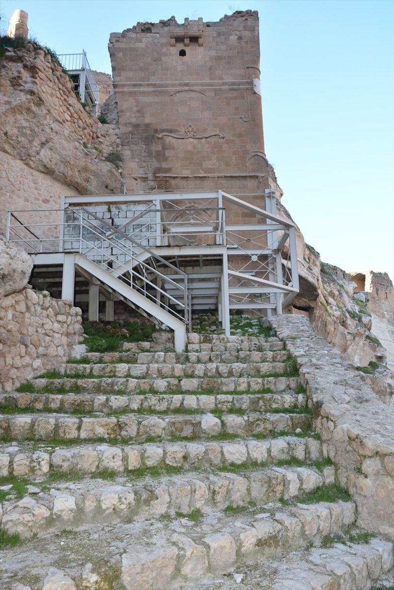 Hasankeyf, tarihi ve kültür varlıkları ile taşınacak 30
