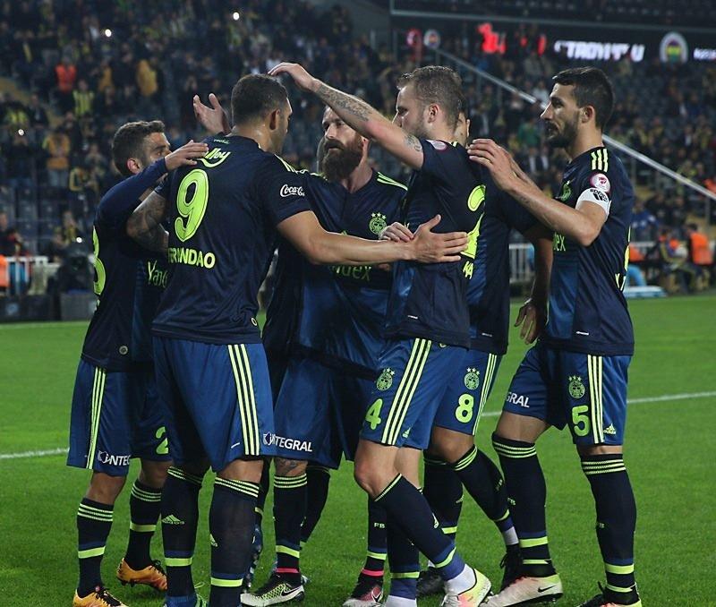 İşte Fenerbahçe - Galatasaray maçının muhtemel 11'leri 14
