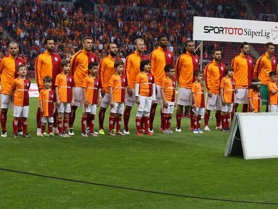 İşte Fenerbahçe - Galatasaray maçının muhtemel 11'leri 15