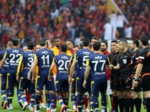 İşte Fenerbahçe - Galatasaray maçının muhtemel 11'leri