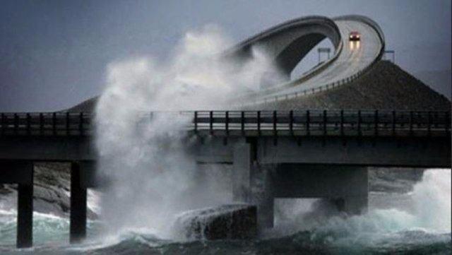 Dünyanın en tehlikeli yolları 31