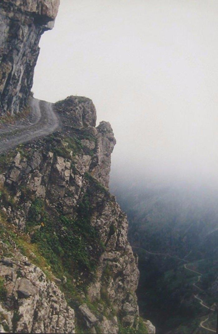 Dünyanın en tehlikeli yolları 8