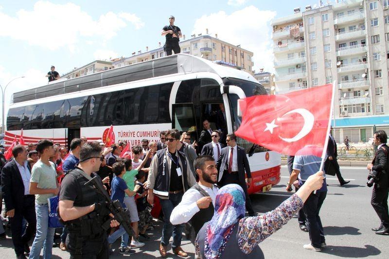 Cumhurbaşkanı ve Başbakan Diyarbakır'da 1