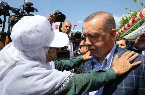 Cumhurbaşkanı ve Başbakan Diyarbakır'da 11