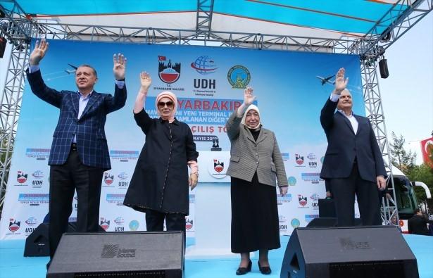 Cumhurbaşkanı ve Başbakan Diyarbakır'da 17