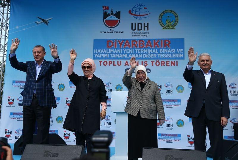 Cumhurbaşkanı ve Başbakan Diyarbakır'da 18