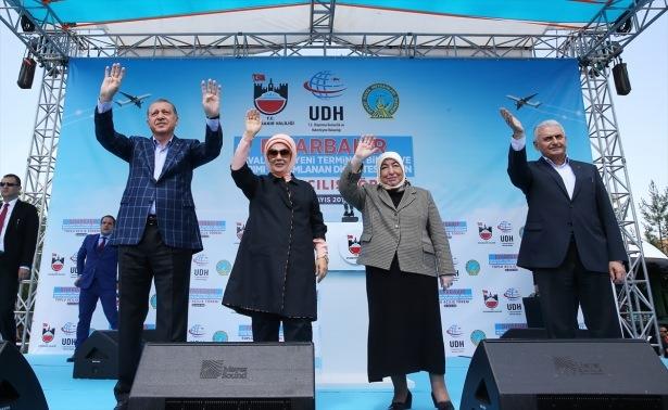 Cumhurbaşkanı ve Başbakan Diyarbakır'da 19